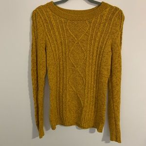 Old Navy chunky knit sweater